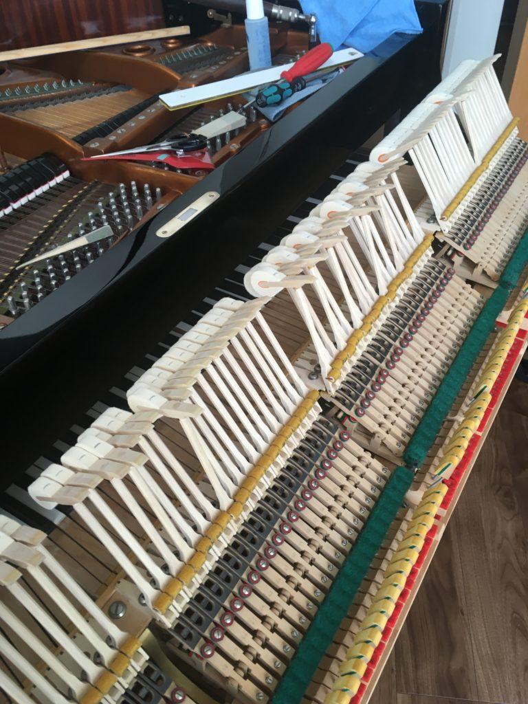 <p>50年たっても美しいアクション・美しい音!</p> <p>ヨーロッパで使われていた楽器らしく、明るく軽やかなサウンドです。すばらしい!</p>